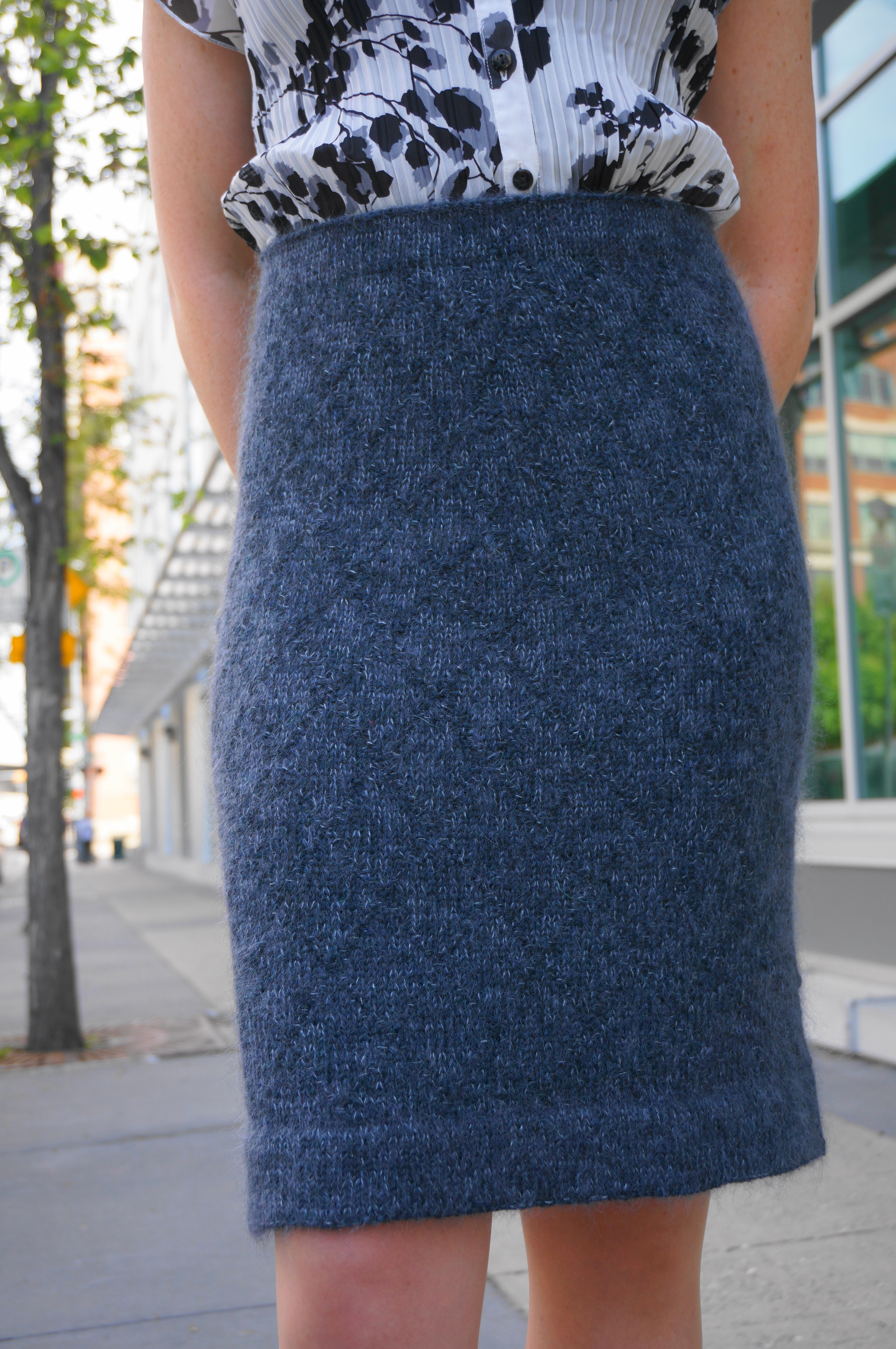 Free Crochet Patterns For Long Skirts : The Helen Pencil Skirt cowtownknits